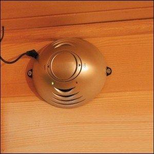 Saunanız ozon ile temizlensin, bazı modellerde bulunan ozon cihazı hem sauna arama terapi cihazı olarak çalışır. Hemde sauna kullanımı sonrasında saunayı temizler.