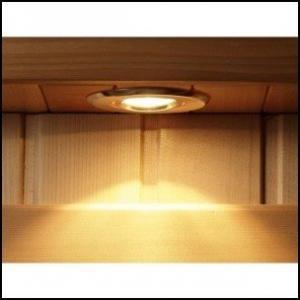 Standart gelen kabin içi aydınlatma sauna kabini içerisinde gazete, dergi veya kitap okumanıza yardımcı olur.